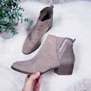 Madden girl taupe embossed Hooper ankle boots